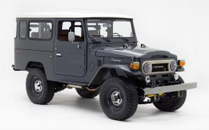 Toyota Land Cruiser Todd Snyder Edition